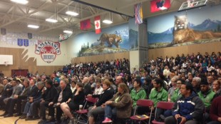 More than 700 attend community meeting in Surrey to end gun violence.  (JOANNE ABSHIRE, NEWS1130)
