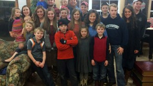 """This undated image released by TLC, shows some members of the Duggar family from the reality series """"19 Kids & Counting."""" The family is featured in the show, whose 10th season concluded May 19, 2015. (TLC via AP)"""