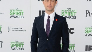 """FILE - In this March 1, 2014 file photo, Joseph Gordon-Levitt arrives at the 2014 Film Independent Spirit Awards, in Santa Monica, Calif. The 34-year-old actor wrapped filming earlier in May 2015 on Oliver Stone's thriller about former National Security Agency contractor Edward Snowden, whose 2013 leaks to the media revealed the government's bulk collection of American calling records. """"Snowden"""" is set for release in December 2015. (Photo by Jordan Strauss/Invision/AP, File)"""