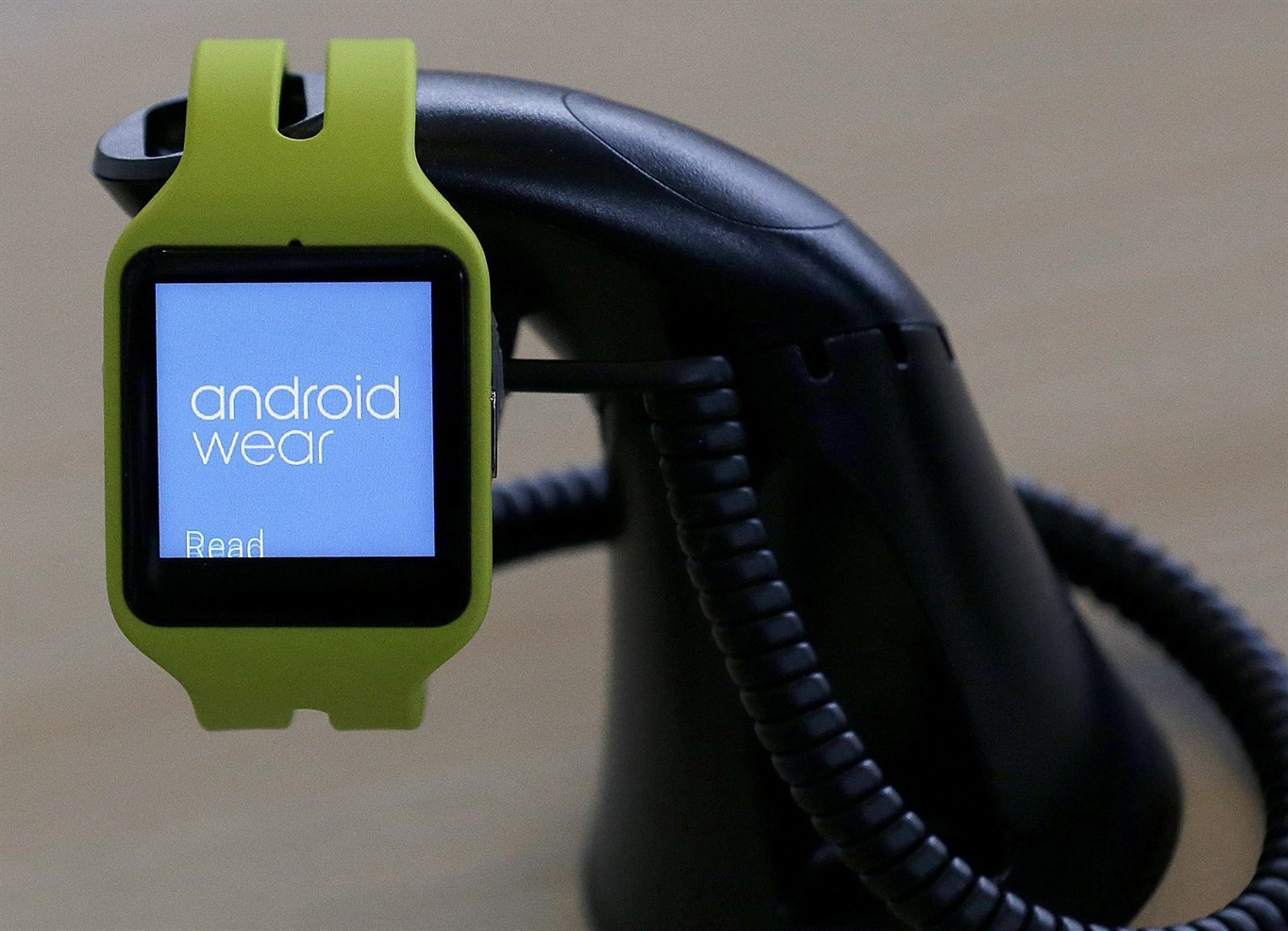 Review: Want a smartwatch, but not Apple's? How Pebble ...