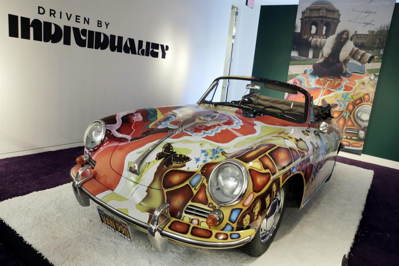 Car Auctions Ny >> 1956 Ferrari Fetches 28m Janis Joplin Porsche Brings In