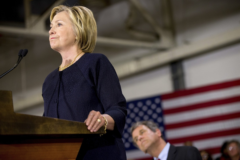Clinton, Trump at odds over tackling terrorism, guns ...