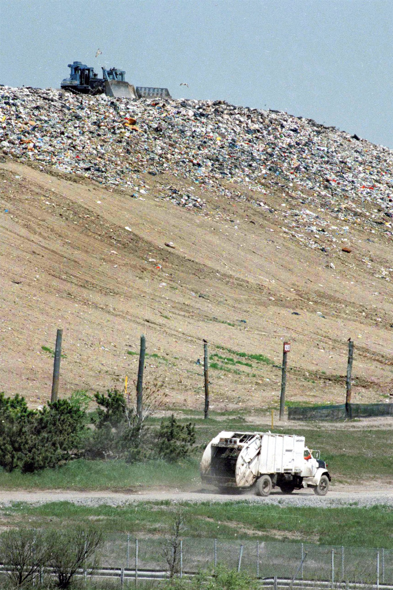 NYC garbage dump world's largest landfill-to-park project ...