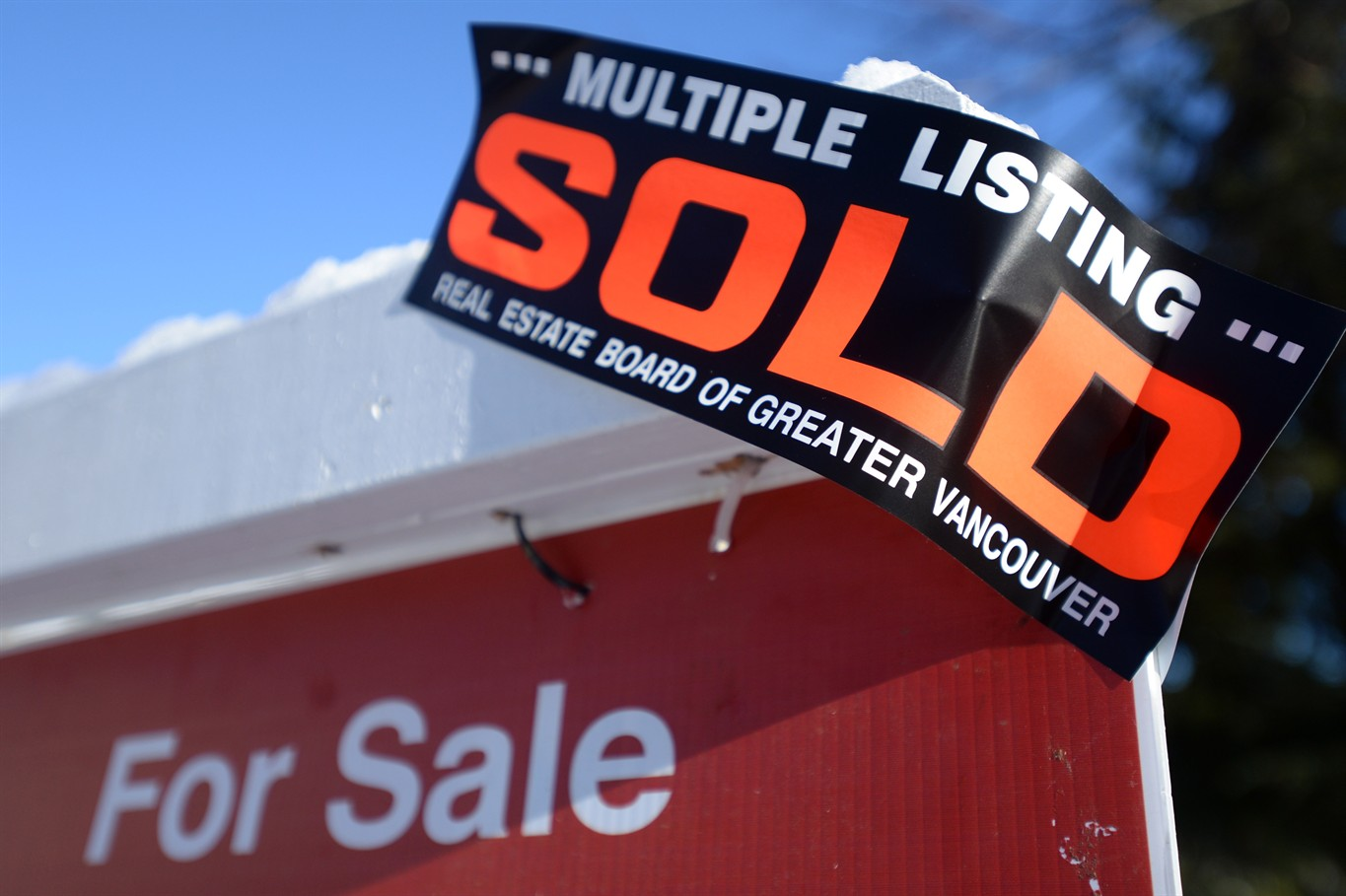 Metro Vancouver real estate still seeing high demand, high prices