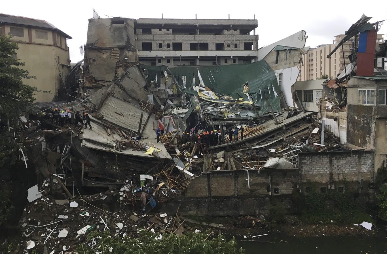Building collapse in Sri Lanka's capital injures 19