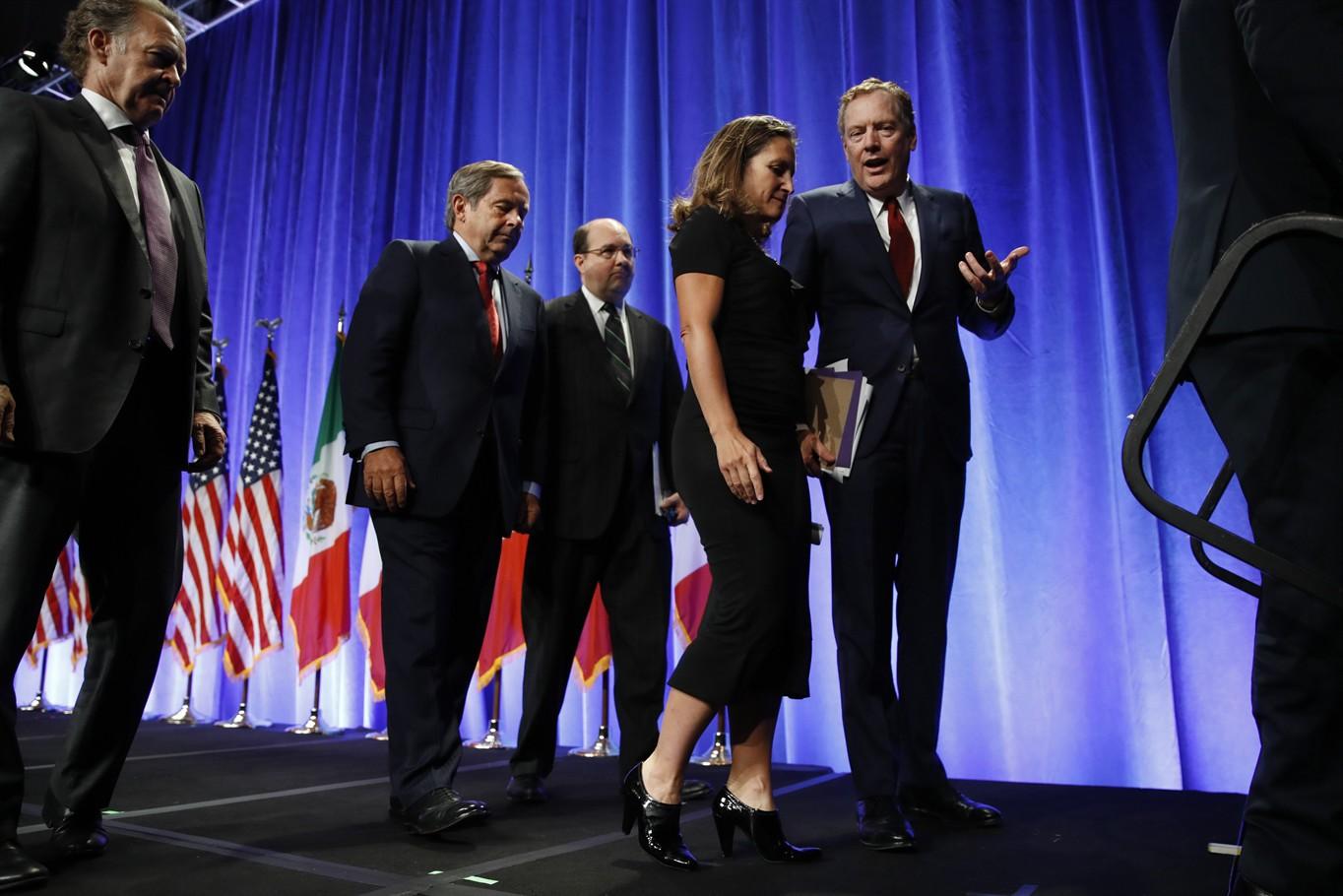 United States  takes hard line as NAFTA talks kick off