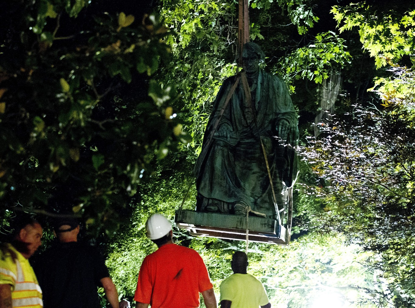 Overnight removal takes down Taney statue in Annapolis