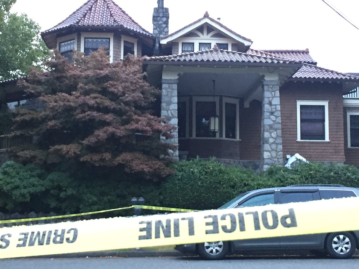 One dead after triple stabbing in Burnaby