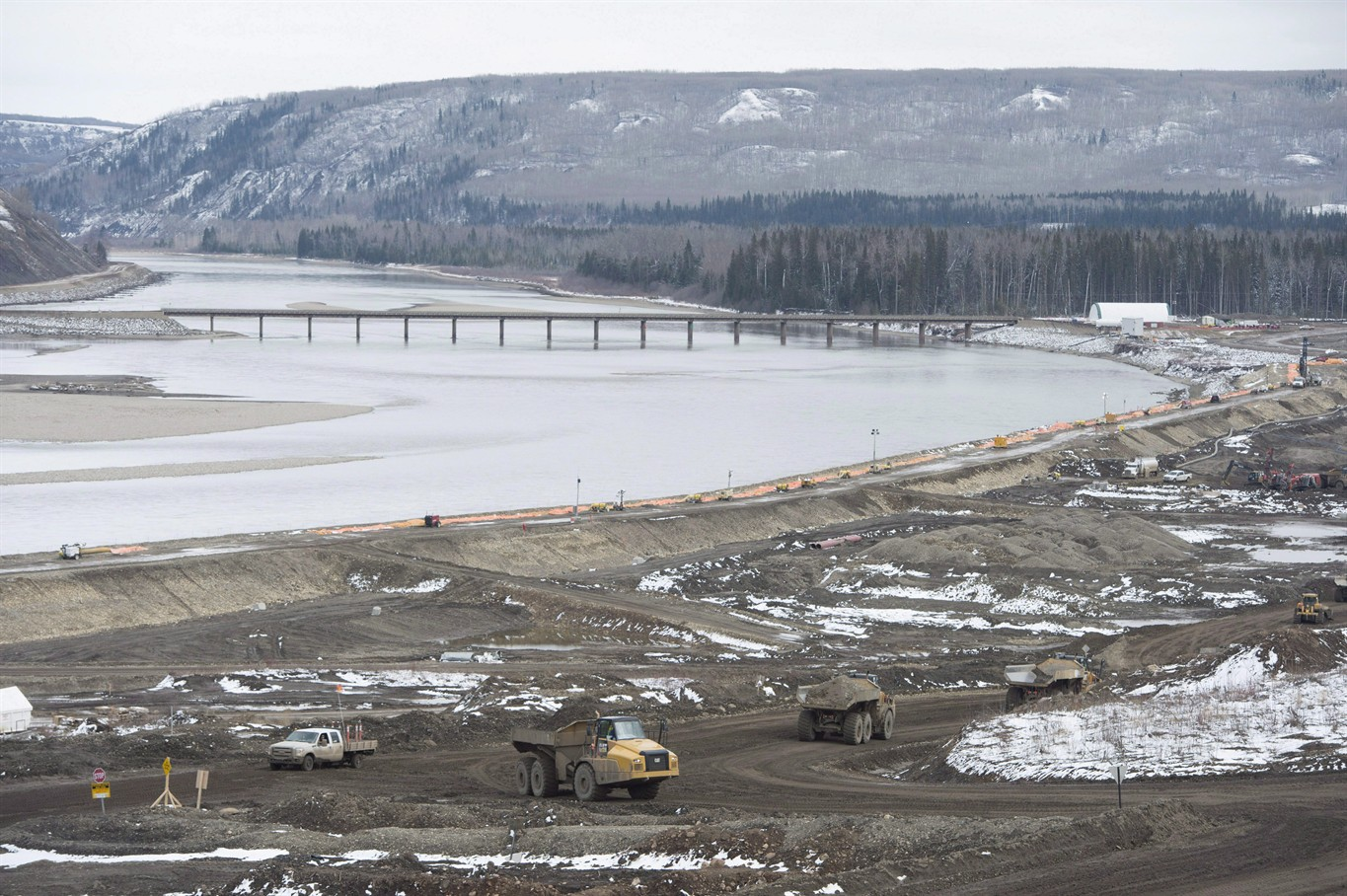 Suspend, restart Site C is least attractive scenario