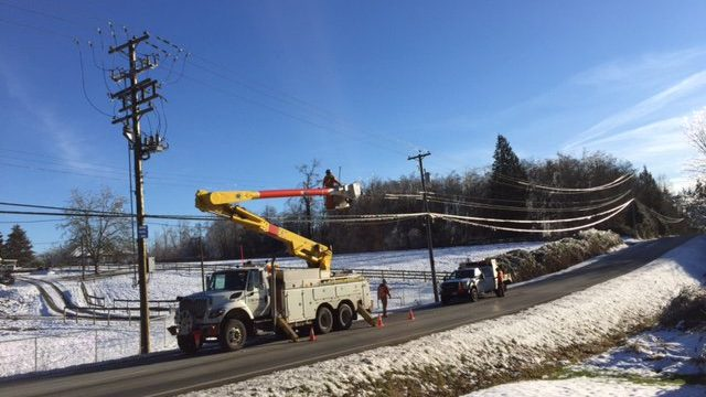 2.5k Fraser Valley residents still without power from Thursday's ice storm