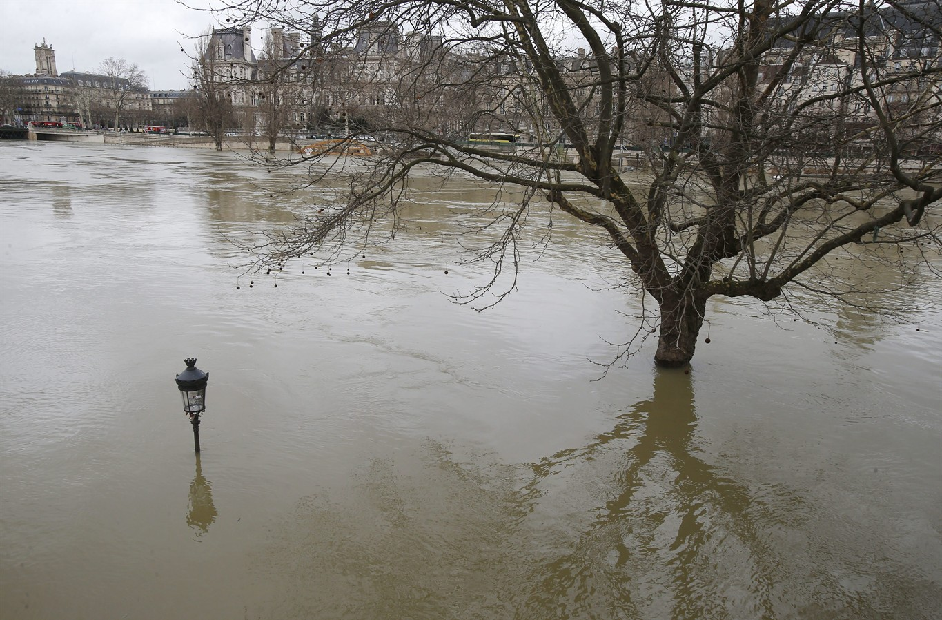 The Banks Of River Seine Are Flooded In Paris, France, Monday, Jan. 29,  2018. Floodwaters Have Reached A Peak In Paris And Are Now Threatening  Towns ...