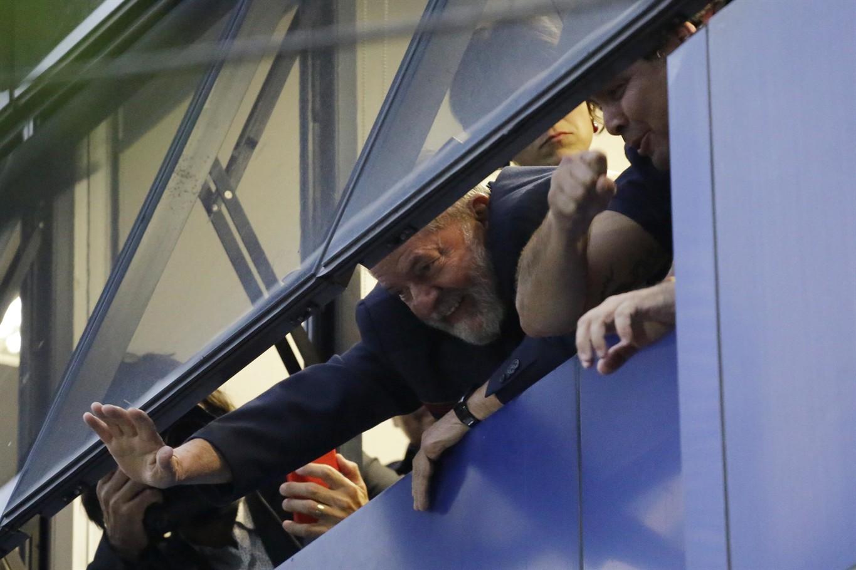 Former Brazil President Lula Considers Resisting Arrest