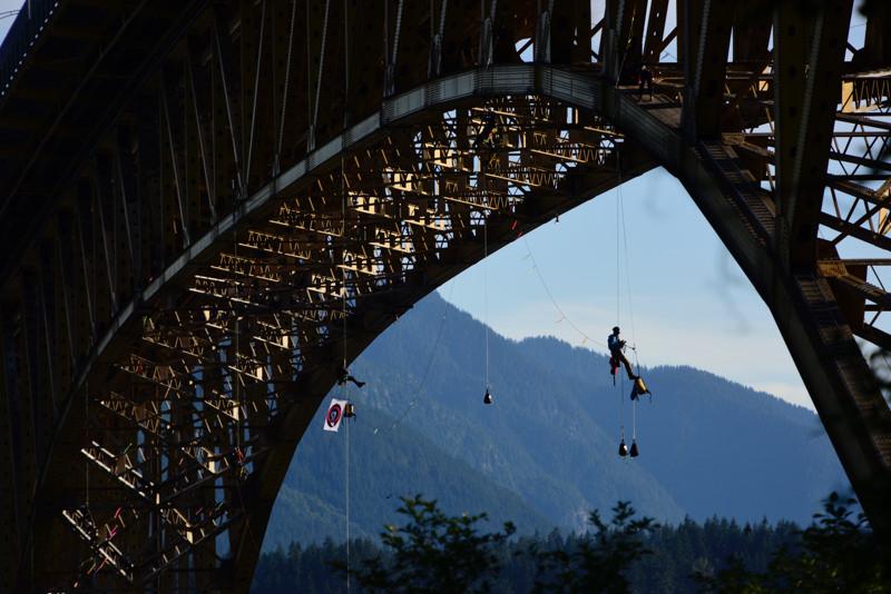 Pipeline protesters hanging under Ironworkers Memorial Bridge