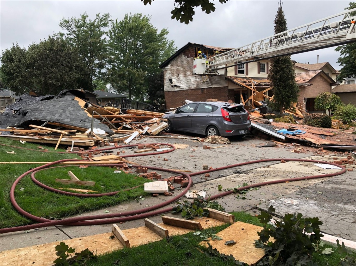 One dead, one injured in Kitchener, Ont , house explosion