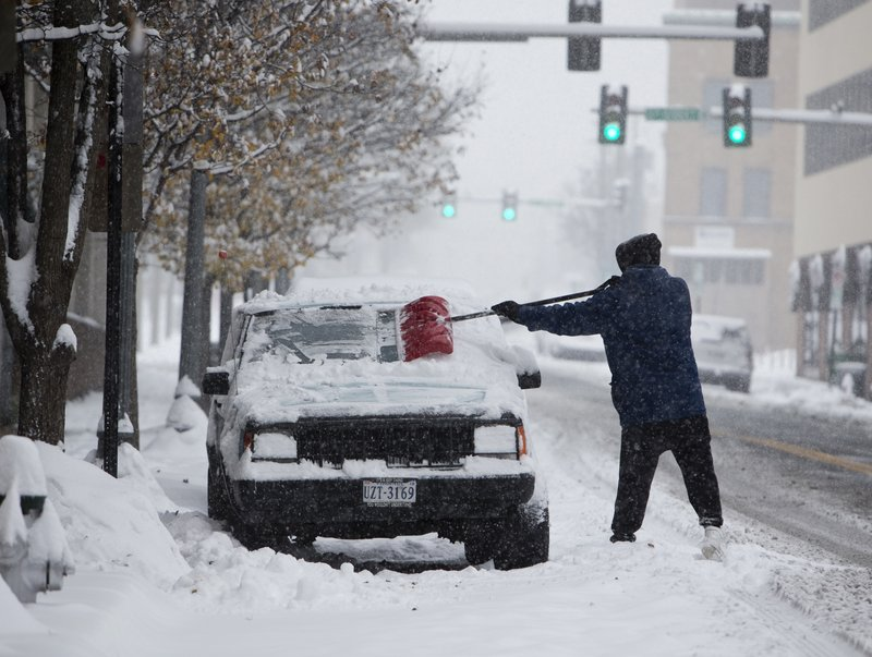 Southern US hit with 'mammoth' snow storm
