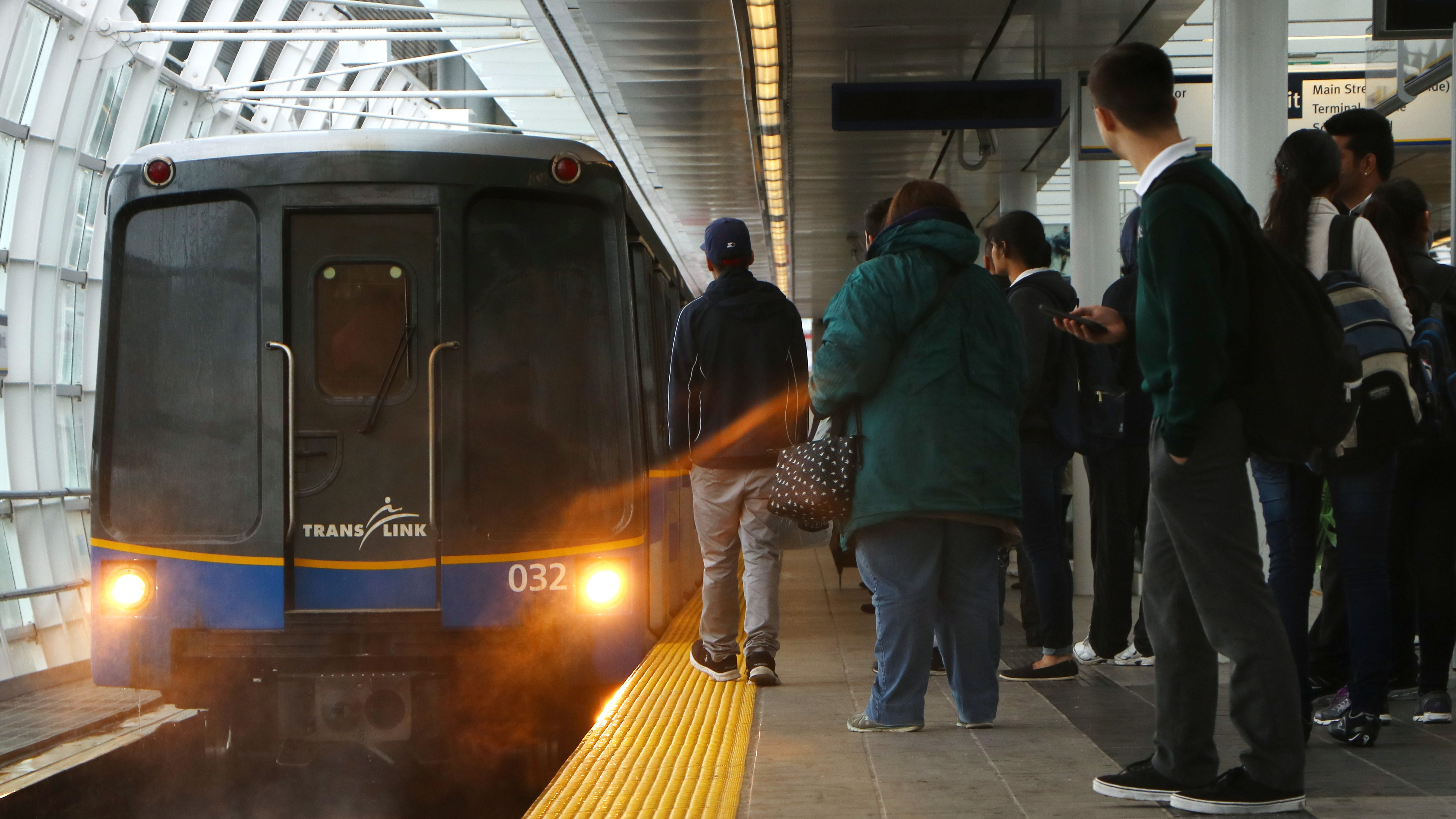 More problems for SkyTrain due to track issue
