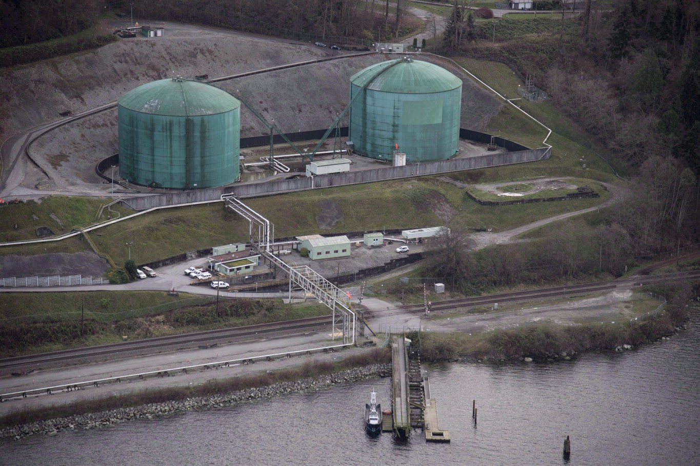 Prominent First Nations chief questions Trans Mountain pipeline financials