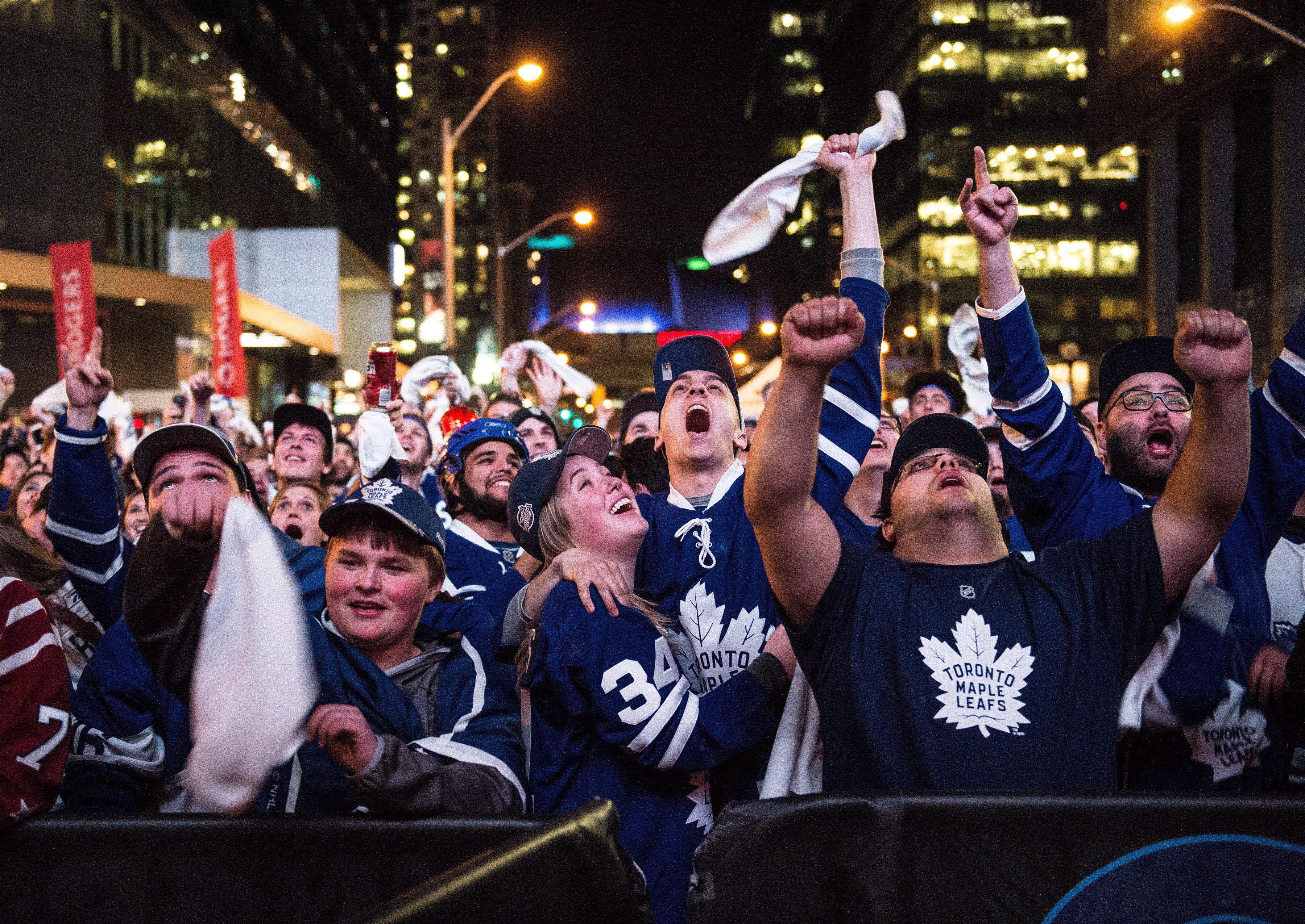 6b297d6af78540 Should we get behind the Leafs?