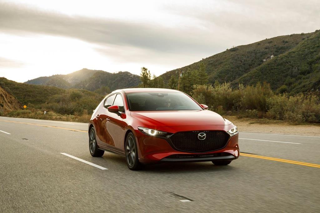 Edmunds Compares Mazda 3 And Toyota Corolla Hatchbacks