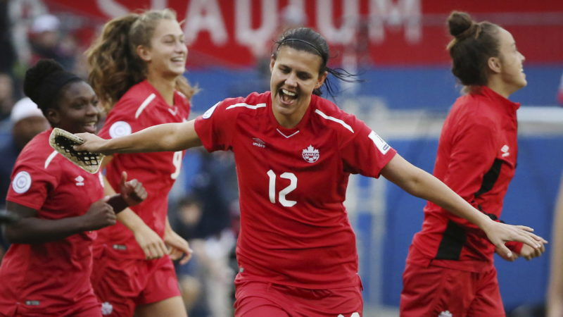 Canada's Christine Sinclair is worldwide  soccer's all-time leading scorer