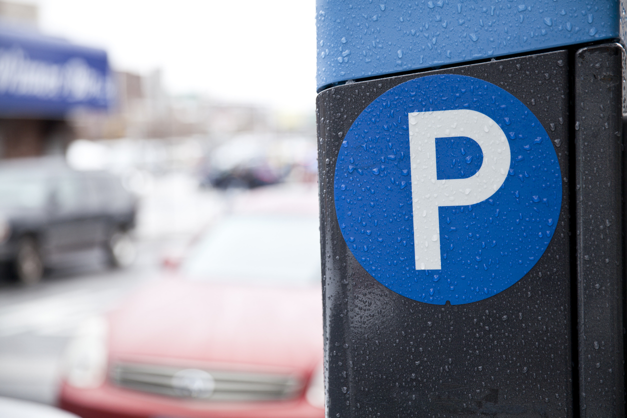 'We hear you cheering, we hear you banging pots' but stop stealing our parking spots, ER doctor says - NEWS 1130