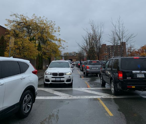 'A traffic nightmare:' Drivers stuck in Oakridge Mall parking lots for hours