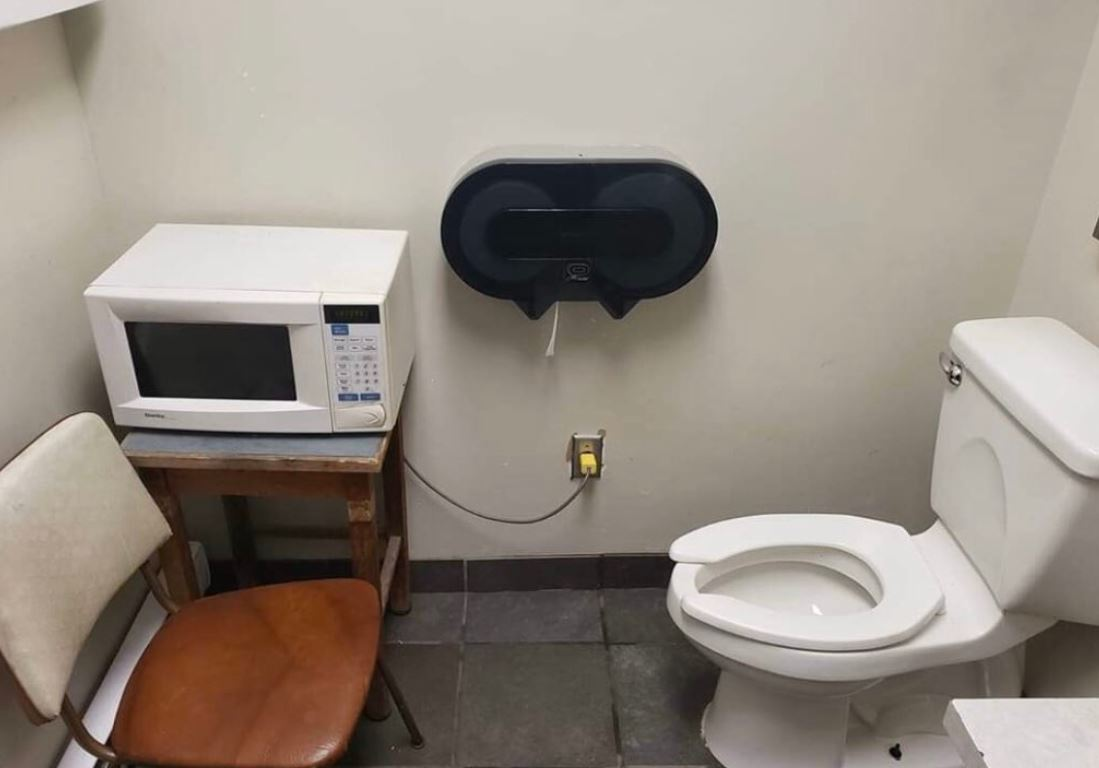 Viral photo of bus driver bathroom points to problems facing Metro Vancouver transit workers