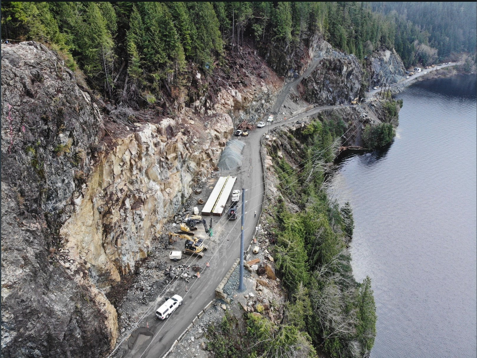 Deliveries of food, suppplies to Tofino and Ucluelet resume as highway reopens
