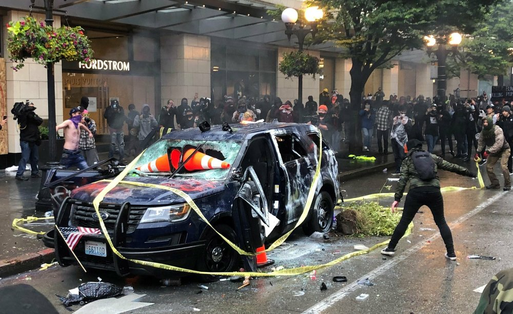 Rioting After Protest Leads To Curfew For Seattle News 1130