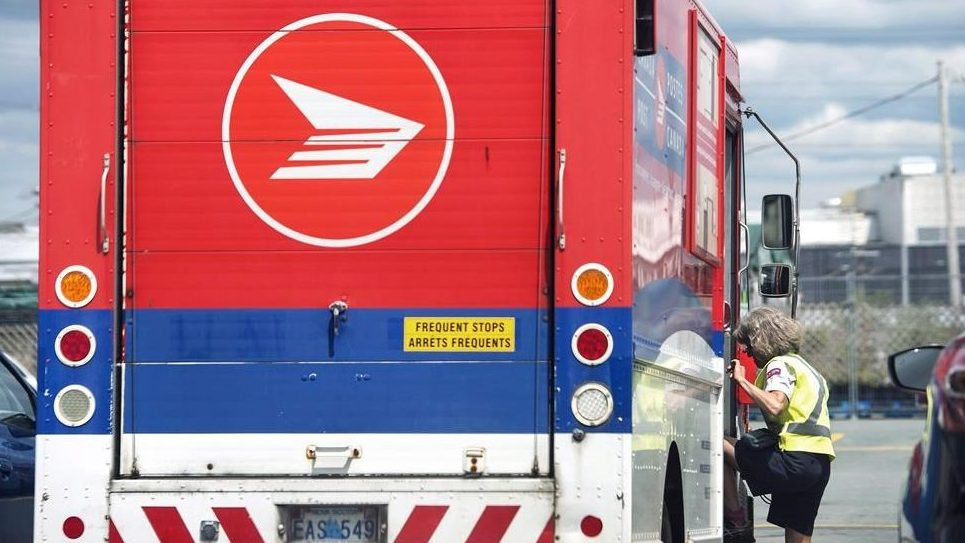 Canada Post deliveries in Okanagan paused due to smoke, air quality concerns