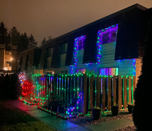 District of North Vancouver proposal would ban Christmas lights after 11 p.m.