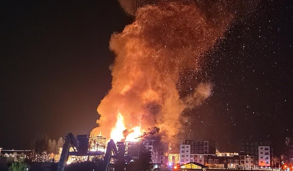 Massive fire engulfs under-construction Langley complex - NEWS 1130