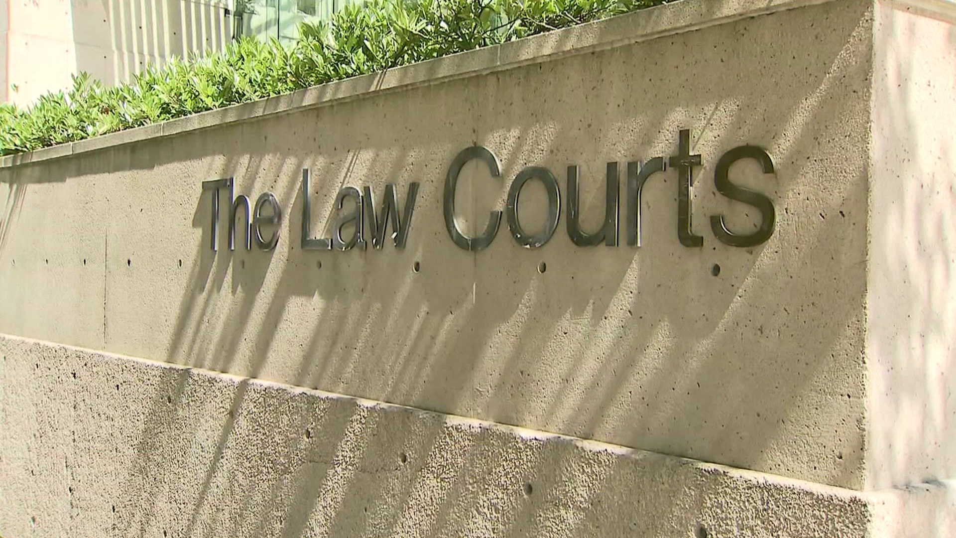 B.C. defence lawyers also want to be bumped up COVID vaccine priority list