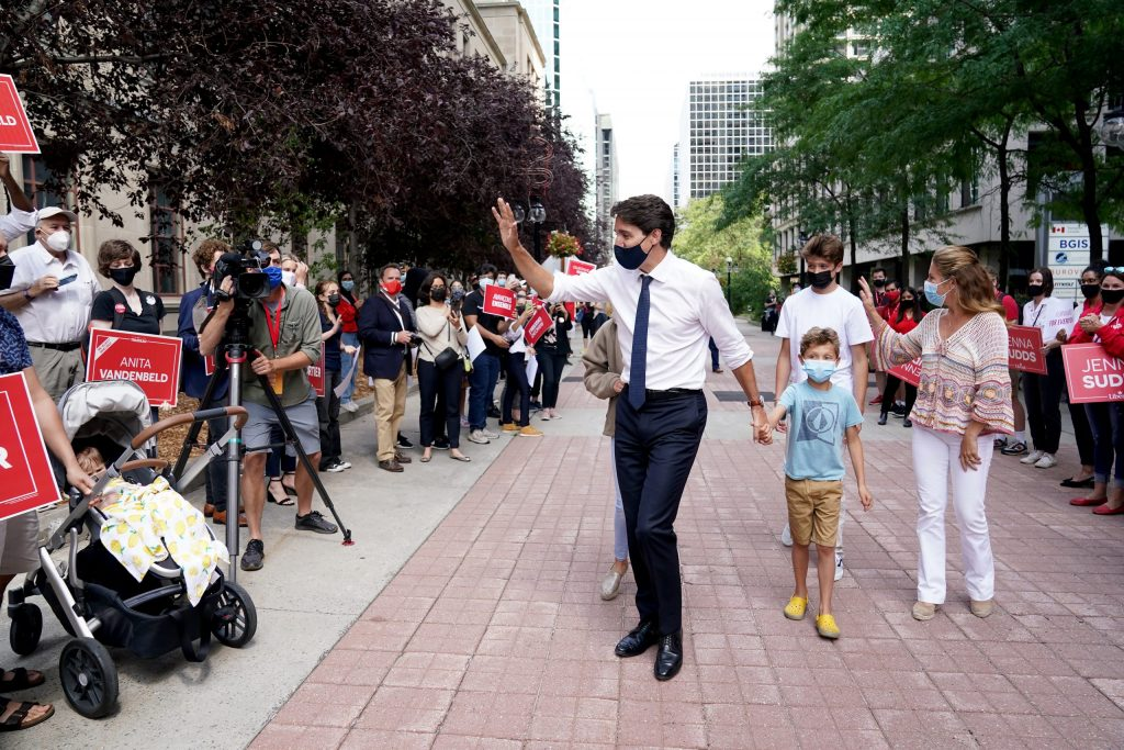 Canadian federal campaigns face volatile opposition from COVID protesters